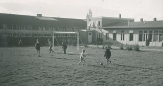 Soccer at the ambachtschool