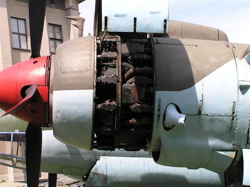 Tupolev TU-2S 6