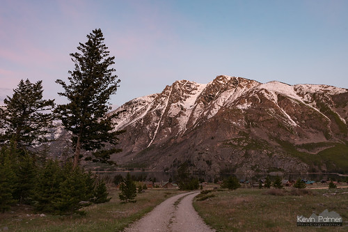 beartoothmountains montana spring may morning nikond750 eastrosebudcampground eastrosebudlake alpine custernationalforest early dawn sunrise color colorful clouds unpaved road valley tamron2470mmf28