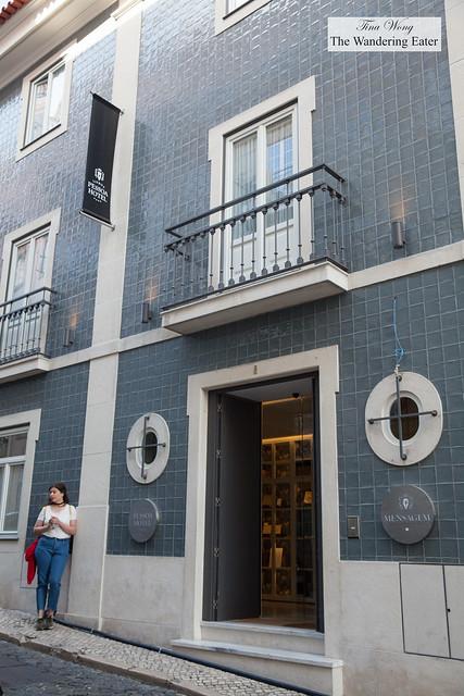 Facade of Lisboa Pessoa Hotel