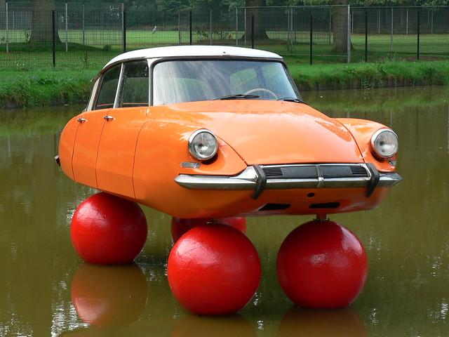 Citroën DS floating (1010256)