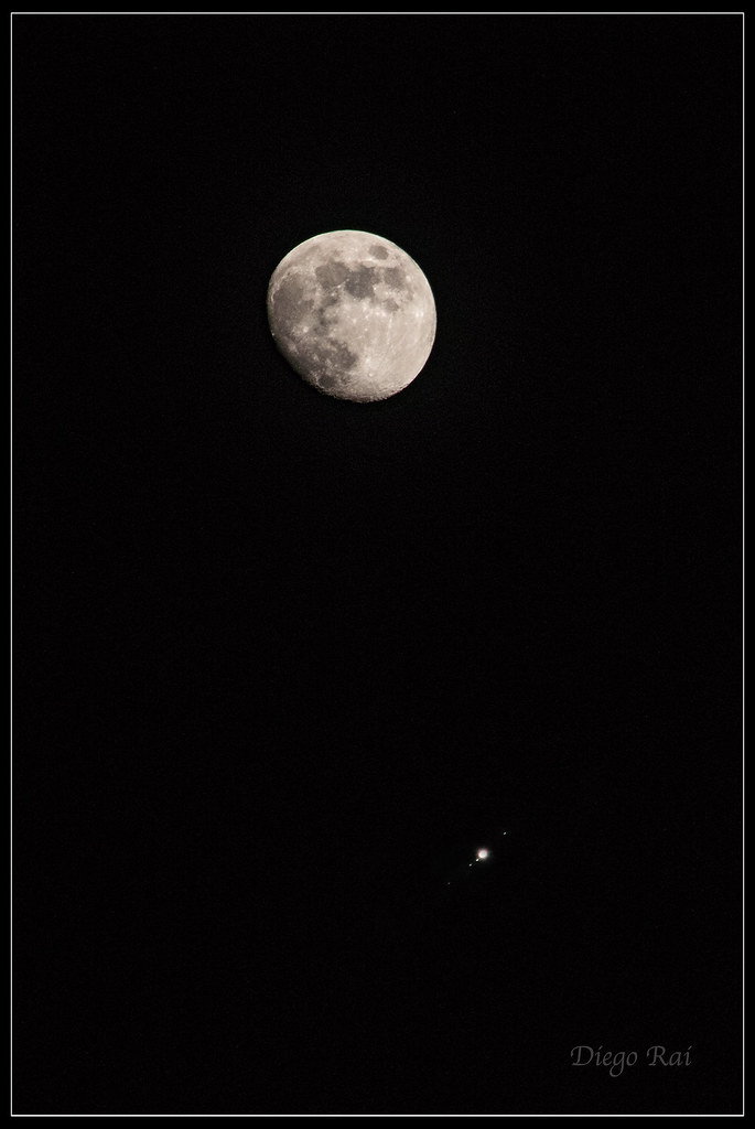 Moon-Jupiter, conjunction  | From left to right: Callisto, E