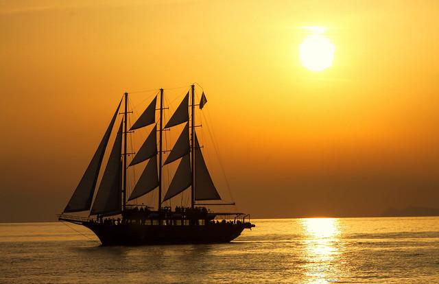 Santorini - Sunset Cruise
