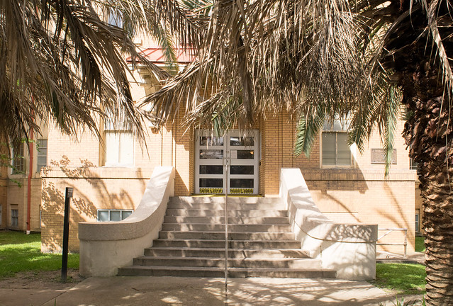 Thomas Street Health Center, Houston, Texas 1704201046