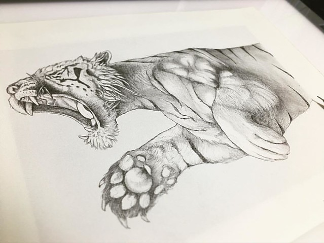 I'm drawing a tiger for @betones_japan . This must be good for their products :) I heard that the product with this tiger will be sold only in Osaka. Please check the info from @betones_japan   象の次は虎を描いています。これもbetonesさんのデザインになる予定。大阪限定発売になる予定とのことですが、自分でも一枚