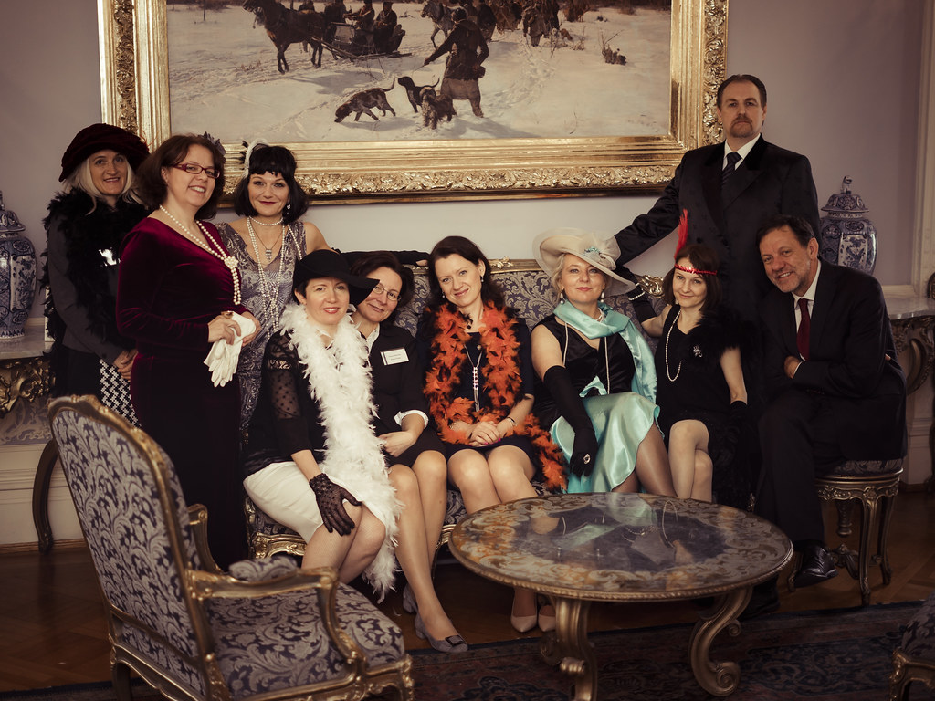 <p>Family photo of the embassy staff with the actors, all in the costumes from 1920s<br /> Photos by D. Mikołajczyk/MSZ</p>
