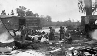 Gypsy camp, Peterborough, Ontario / Campement gitan, Peterborough (Ontario)