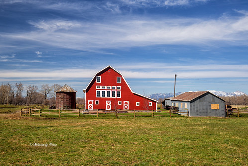 structure house barn red buildings sky scenery scenic landscape montana bozeman fence farm farmland usa