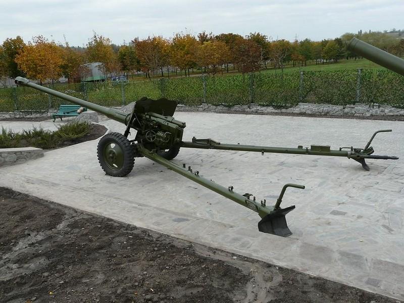85 mm divisional gun D-44 4