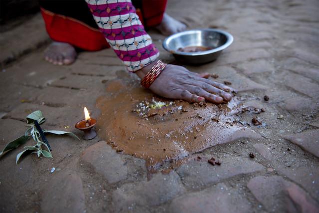 NPL - Hindu offerings - Bhaktapur