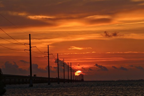 florida floridakeys marathonkey littleduckkey sevenmilebridge sunrise powerlines solarpower