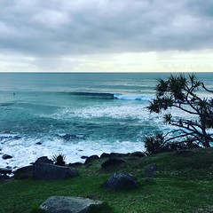 Some nice #surf sets coming through #surfers #enjoying #swell #goldcoast #beachlife #cycle #cycling #cyclinglife