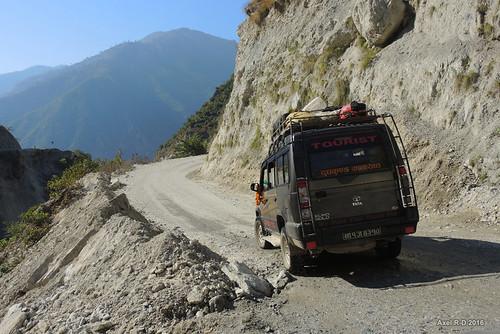 jeep montagnes nepal okhaldhunga préci route