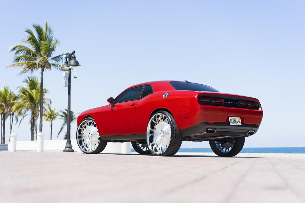 Dodge Challenger On 30in Xxxs Dub Wheels Flickr