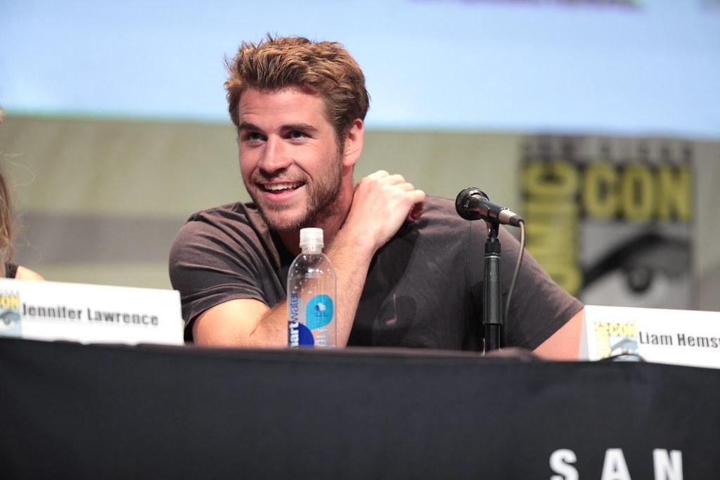 Liam Hemsworth | Liam Hemsworth speaking at the 2015 San Die… | Flickr