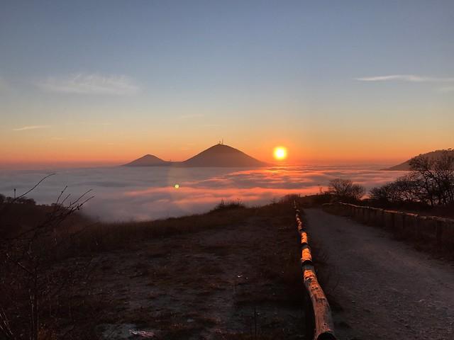 Tramonto e mare di nuvole nei colli Euganei