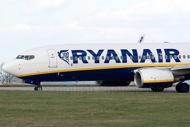 EI-DAH Ryanair B737-800/WL Old Colours East Midlands Airport Archive