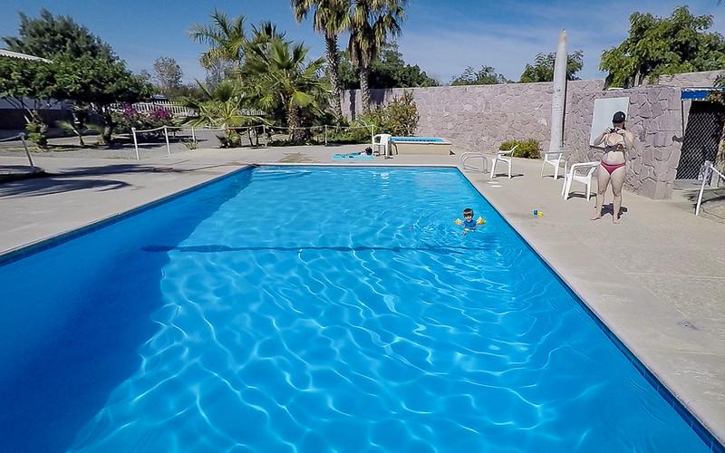 La Paz pool