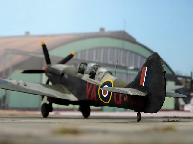 1:72 Supermarine Spitfire NF.XX (a.k.a. 'Camelback' and 'Nightfire'); aircraft 'VA-O/NH938G' of the Royal Air Force 125 (Newfoundland) Squadron; Coltishall, early 1945 (Whif/Airfix kit conversion)