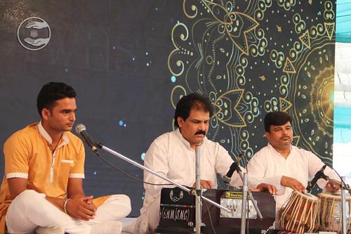 Punjabi devotional song by Gautam Gurmukhi and Saathi from Jammu, Jammu and Kashmir