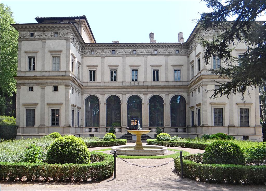 La villa Farnesina (Rome)