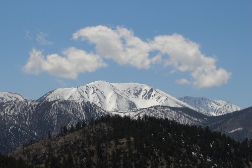 0171 Zoomed-in view of the snow and cumulus clouds on San Gorgonio Mountain from the PCT | by _JFR_