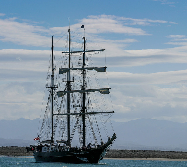 20051015_8303_10D-130 Youth training ship Spirit of New Zealand