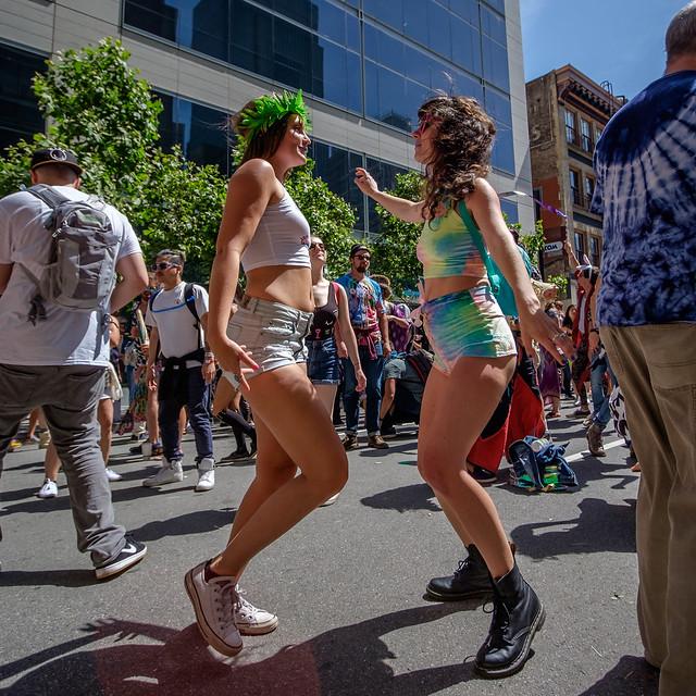 How Weird Street Faire 2017: cornute brushwood