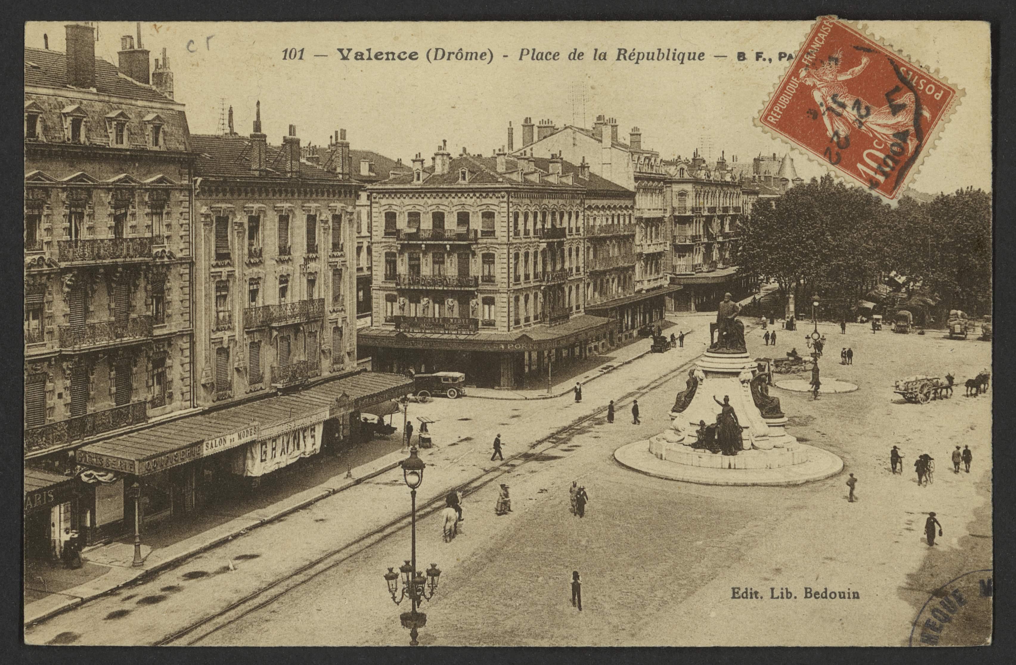 Valence (Drôme) - Place de la République