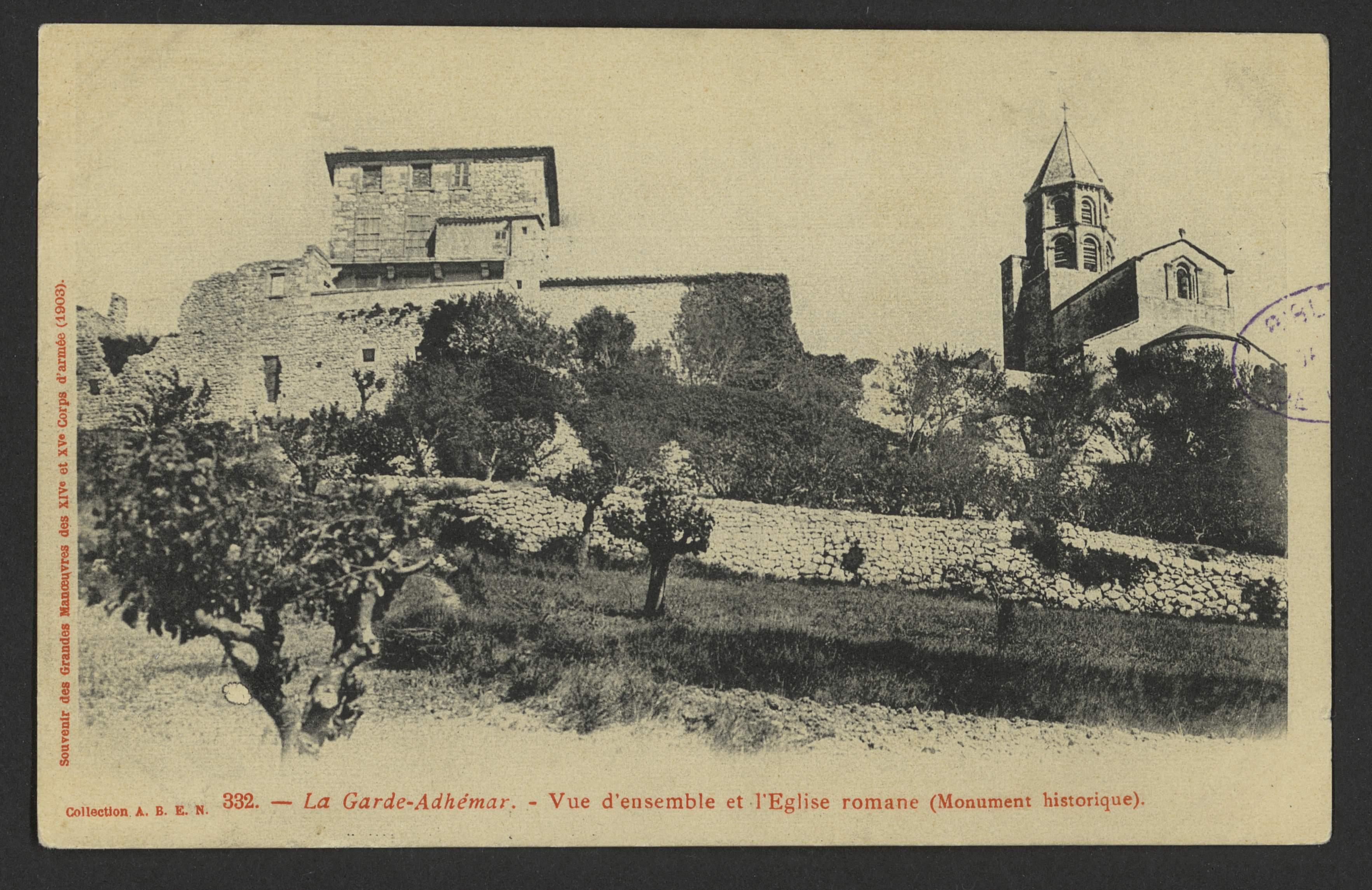 La Garde-Adhémar - Vue d'ensemble et l'Eglise romane (monument historique)