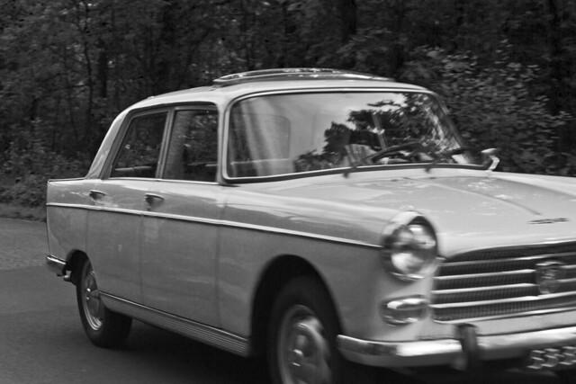 Peugeot 404XC7 Berline 1972* B&W