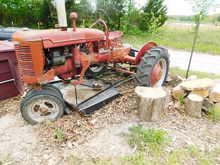 Farmall B tractor | by thornhill3