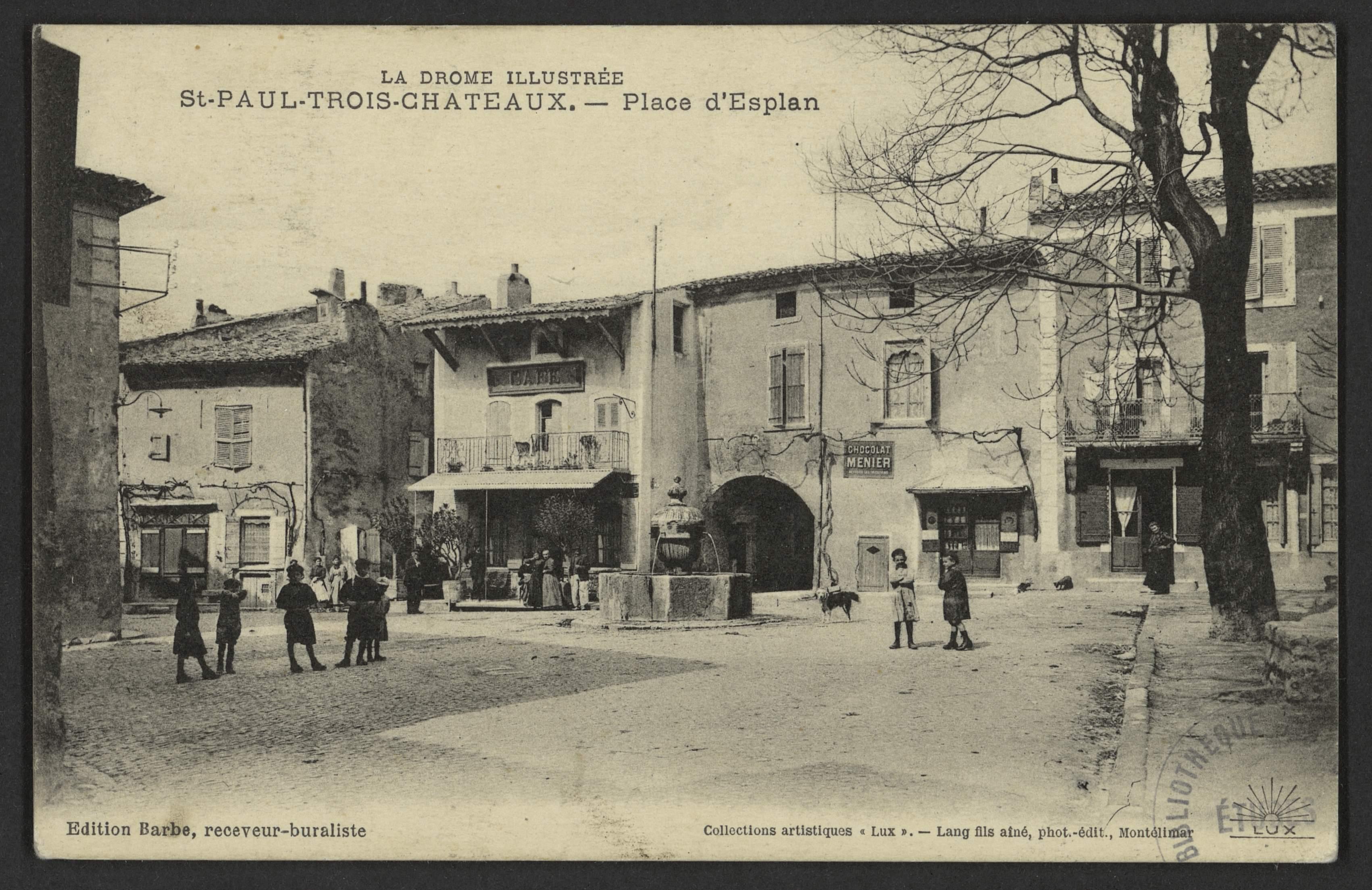 St-Paul-Trois-Châteaux. - Place d'Esplan
