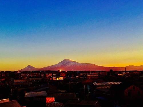 ararat masis mount mountain night sky lights evening beauty beautiful armenia armenian armenians