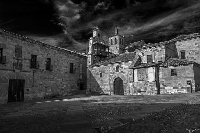Iglesia de Sta Lucía y Torre de S Cipriano