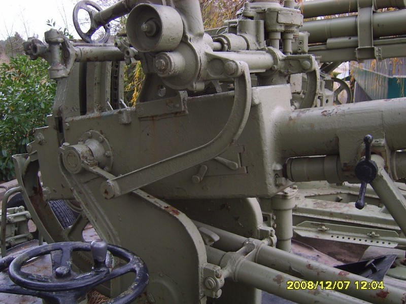 37mm Anti-aircraft gun 3