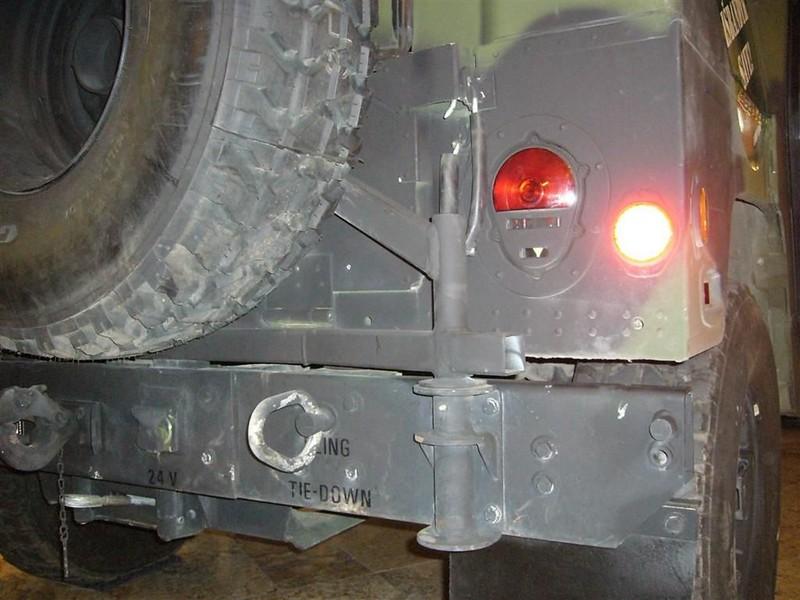 Hummer M1114 3