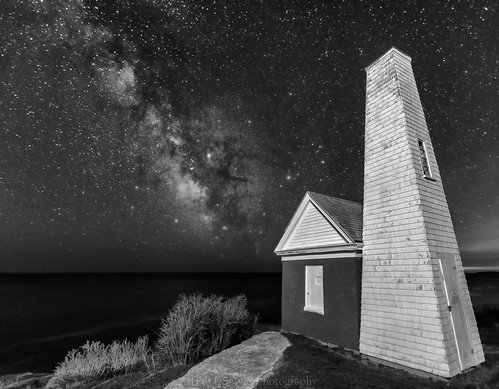 pemaquidpointlighthouse lighthouse maine newharbor bw monochrome stars ocean night nightsky astrophotography landscapeastrophotography