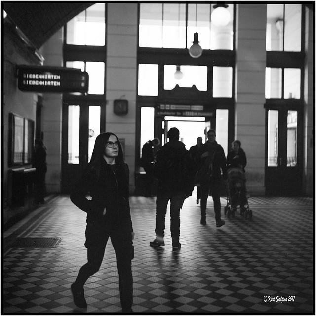 U-Bahnstation Volksoper_Rolleiflex 3.5 B
