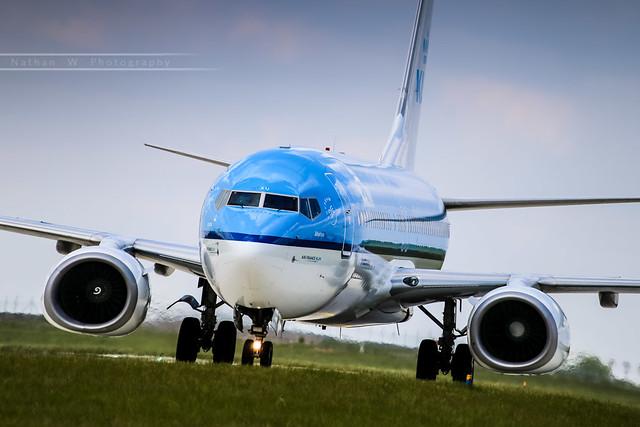 CDG - Boeing 737-8BK (PH-BXU) KLM