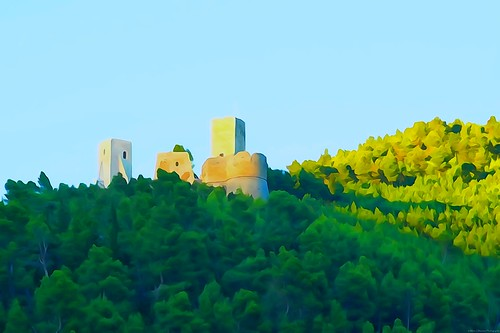 sony sonyalpha italy italia paesaggio landscape travel adventure nature scenic exploration view vista breathtaking tranquil tranquility serene serenity calm marioottaviani cantelmo castle castello popoli forest wood green waterpainting water pictureeffects