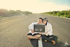 Foto prewedding outdoor casual simple hijab buat Kk Niken & Pandu di Landasan Pacu Depok Bantul Yogyakarta.  Foto prewedding by @poetrafoto, http://prewedding.poetrafoto.com  Follow IG: @poetrafoto untuk lihat foto pre+wedding terbaru kami ya.  Untuk info