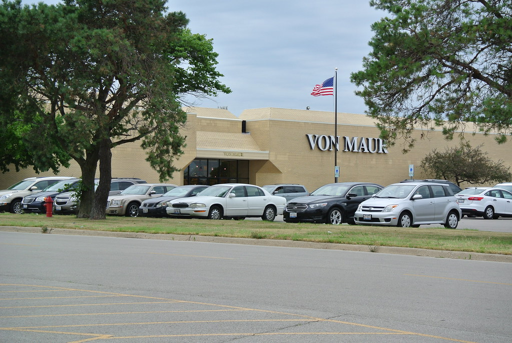 Decatur Il Mall >> Von Mar Formerly Carson S Hickory Point Mall Decatur Il