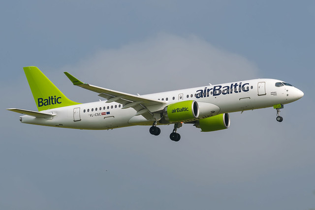 Air Baltic / CS300 / YL-CSC / EGKK 08R