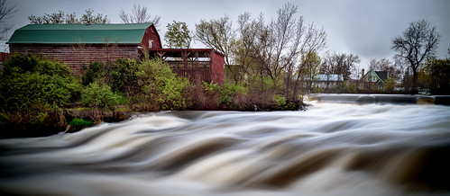 mill springside park swollen banks flooding flood runoff spring falls river ontario canada cans2s napanee