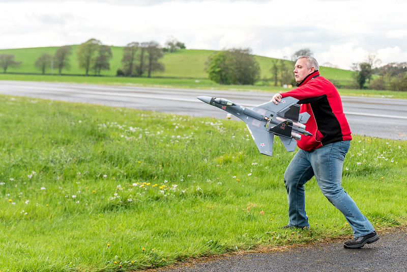 Phil hand launching his MIG.