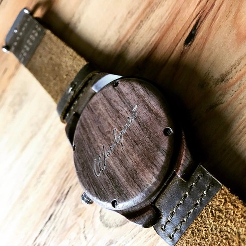 WOODGRAIN WATCHES | A little preview of this great wood watch by @woodgrain_watches | Soon more photos and review on my blog | #maccoffeetime #lumixfz300 #vecocam #woodgrain #watch #ootd #wood #lifestyle #leather #tech | by Bibugian