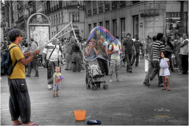 (125/15) Los niños de colores