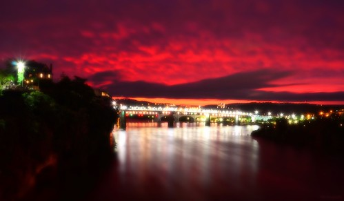 pink sunset red orange green chattanooga yellow clouds reflections lights flickr tn tennessee horizon northshore lamps walnutstreetbridge tennesseeriver bluffview coolidgepark huntermuseum