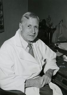 Arne Arnesen (1899-1982)